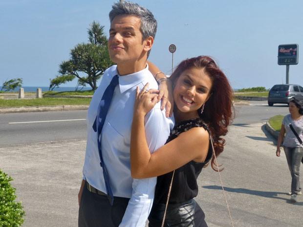 Simpatia pura! Paloma e Otaviano mostram bom humor durante gravação (Foto: Salve Jorge/TV Globo)