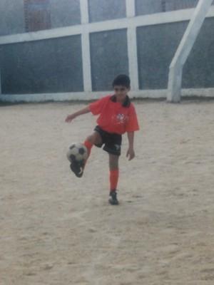 Rômulo quando criança treinando no Brasil de Pelotas (Foto: Arquivo Pessoal)