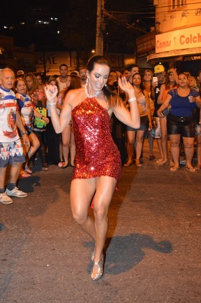 Carla Prata em ensaio da União da Ilha na Zona Norte do Rio (Foto: Rodrigo Mesquita/ Divulgação)