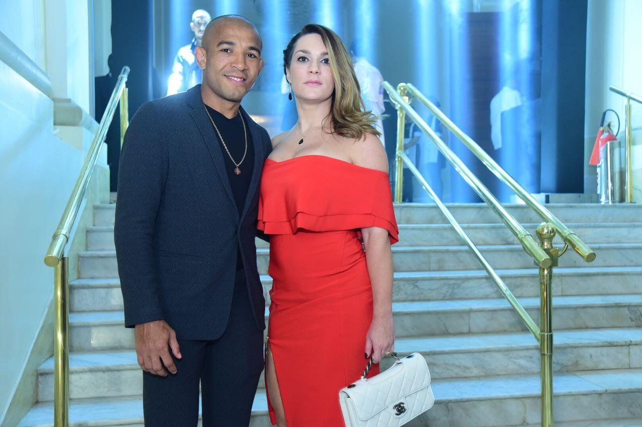 José Aldo e a mulher no MOTY 2016 (Foto: Divulgação)
