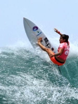 Silvana Lima disputa nos EUA etapa primordial em busca de vaga na elite do surfe m 2017 (Foto: Divulgação/WSL)