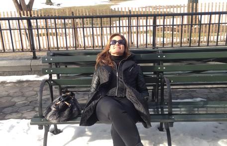Relaxando no Battery Park, perto de onde a jornalista mora Arquivo pessoal