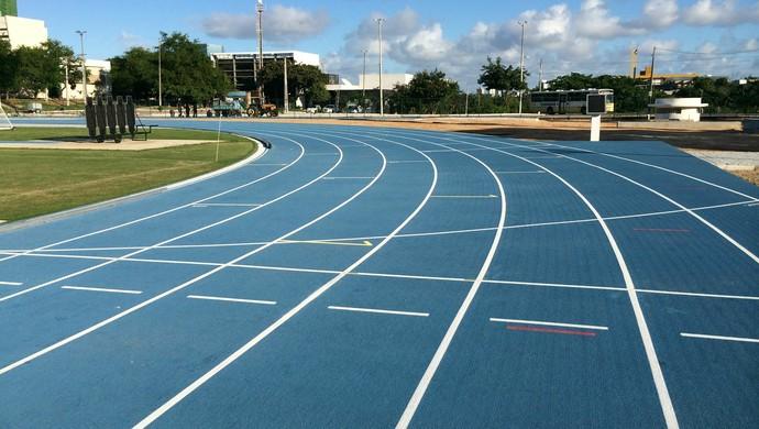 Diego Cavalcante atletismo pista UFRN (Foto: Jocaff Souza)