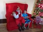 Papai Noel aprende libras para atender crianças surdas em São José