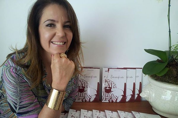 Livro de Mônica Cunha retrata o olhar da jornalista diante da vida. (Foto: Divulgação)