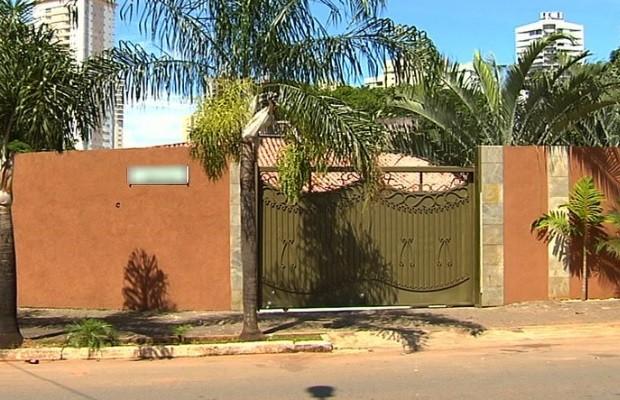 Homem atira várias vezes e fere 3 em Goiânia, Goiás (Foto: Reprodução/TV Anhanguera)