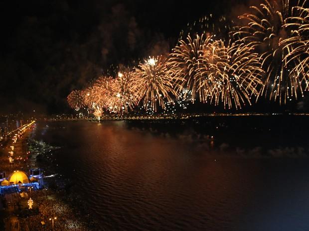 Fogos serão lançados de balsas em Florianópolis (Foto: Reprodução/RBS TV)