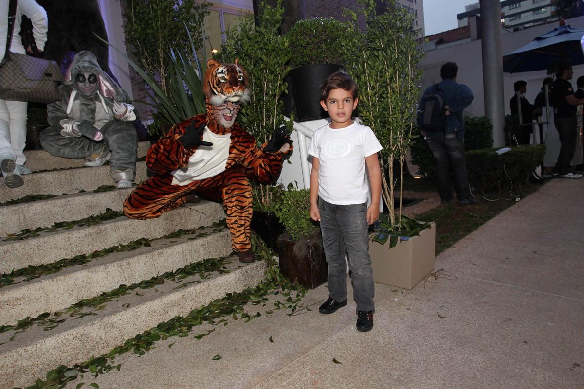 Rodrigo, filho de Fausto Silva, também foi à festa (Foto: Manuela Scarpa/Foto Rio News)