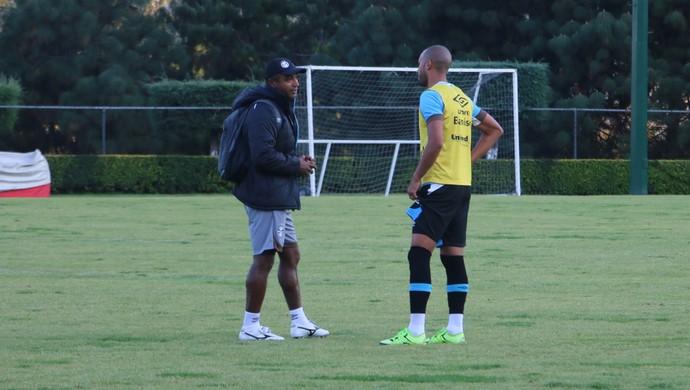 Roger Machado Kadu Grêmio (Foto: Eduardo Moura/GloboEsporte.com)