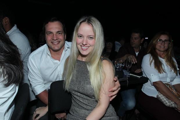 Daniel Boaventura com a namorada (Foto: Marcello Sá Barretto/AgNews)
