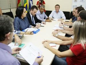 Reunião ocorreu na tarde desta sexta (31) (Foto: Jaksson Zanco/Prefeitura de Joinville)