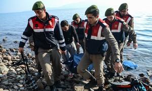 Novo naufrágio no Mar Egeu mata dezenas de migrantes