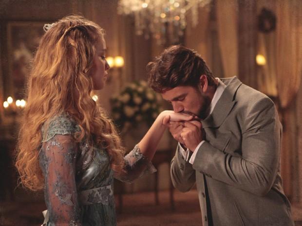 Albertinho mostra que é mestre na arte de enganar belas mulheres (Foto: Lado a Lado/TV Globo)