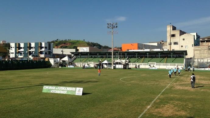 Estádio Domênico Paolo Metidieri, em Votorantim (Foto: Natália de Oliveira)
