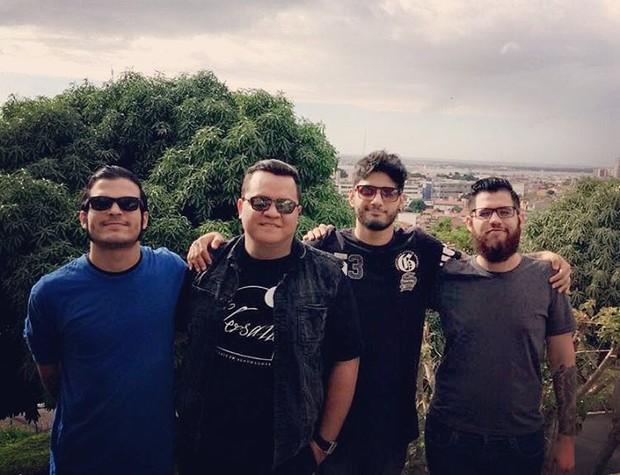 Banda Versalle posa em Aracaju: 'Fomos recebidos de braços abertos' (Foto: Reprodução/Instagram)