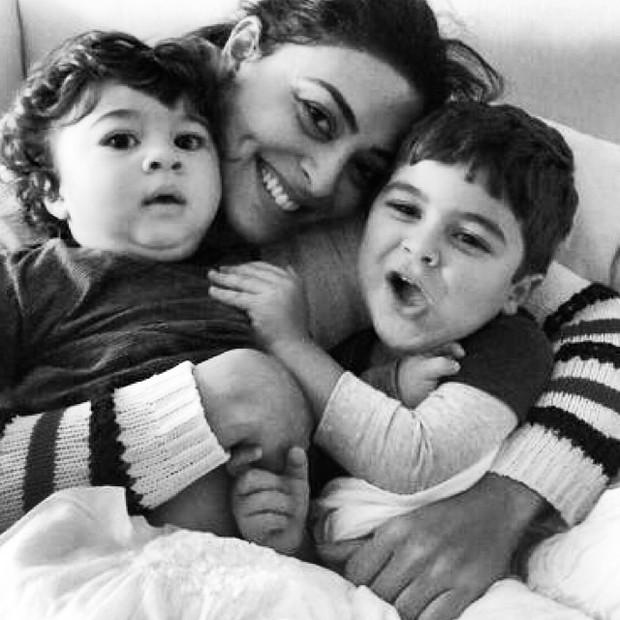 Juliana Paes e filhos (Foto: Instagram / Reprodução)
