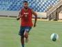 Thiago Santos se recupera e treina entre os titulares do Sampaio