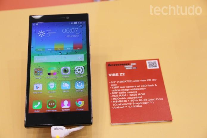 O Lenovo Vibe Z2 tem tela de polegadas (Foto: Fabrício Vitorino/TechTudo)