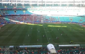 Árbitro relata corneta atirada em campo no jogo entre Vitória e Galo