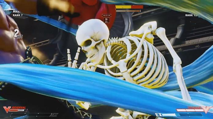 O esqueleto de Street Fighter 5 ganha seus 15 minutos de fama como um lutador bem engraçado (Foto: Reprodução/YouTube)