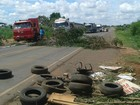 Catadores bloqueiam rodovia em frente a lixão de Campo Grande