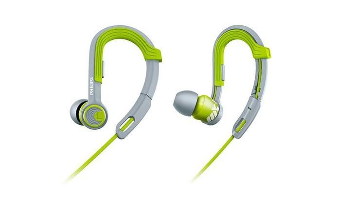 Fone de ouvido da Philips tem design ergonômico que se encaixa nas orelhas (Foto: Divulgação/Philips)