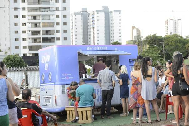 Food trucks e food bikes com muita comida boa. (Foto: Cassio Dantas)