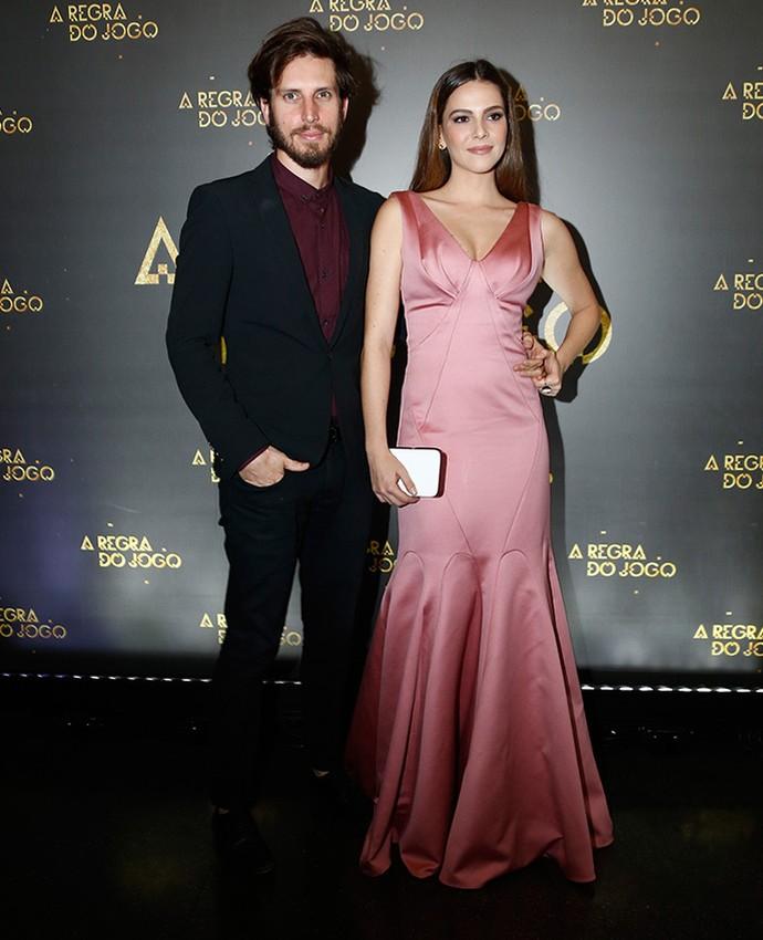 Tainá Müller e o diretor Henrique Sauer (Foto: Raphael Dias/Gshow)