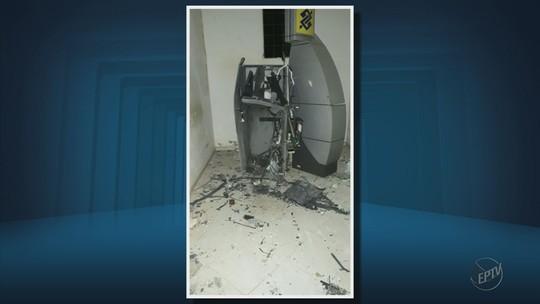 Quadrilha explode caixas eletrônicos ao lado da Prefeitura de Guapé, MG