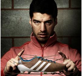 Luis Suárez chuteira adidas (Foto: Divulgação)