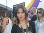 Camilla Camargo estreia novo visual no Lollapalooza
