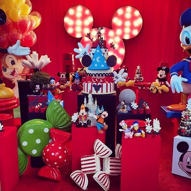 8d9ed109a0a7c Decoração de festa de 1 ano do filho de Ana Hickmann (Foto  Reprodução
