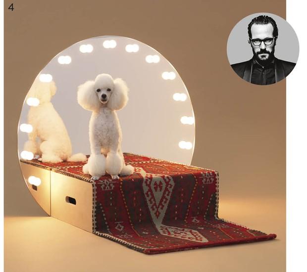As diversas possibilidades de tosa fizeram com que o designer alemão Konstantin Grcic criasse uma espécie de palco para os poodles, com direito a iluminação típica de camarim (Foto: Hiroshi Yoda / Architecture for Dogs / Divulgação)