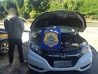 Lutadores de MMA são flagrados com carro roubado em blitz na BR-101 / RJ