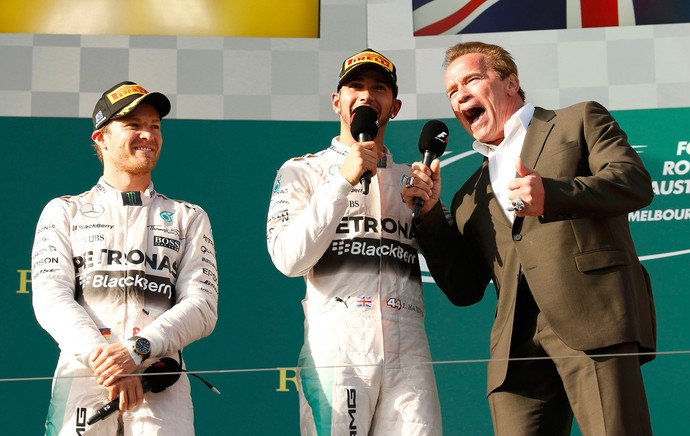 Arnold Schwarzenegger, Hamilton e Rosberg, GP da Austrália de F1 (Foto: Reuters)