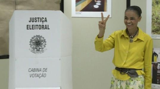 Marina Silva vota no Acre