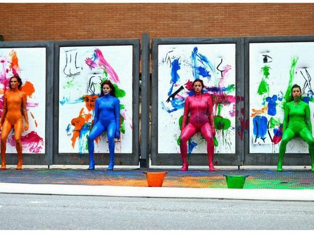 Artistas vão usar o corpo para pinta telas na exposição na Maratona Cultural da Cidade Olímpica (Foto: Roni Adame/ Divulgação)
