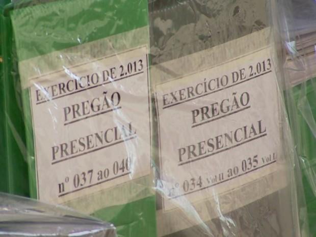 Documentos apreendidos na Operação 'Cartas Brancas', em Miguelópolis, SP (Foto: Reprodução/EPTV)