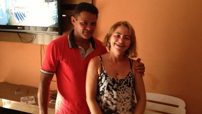 Os pais  (Foto: Edson Reis/GloboEsporte.com)