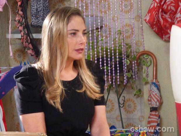 Analu pede que Marali troque de identidade com ela (Foto: Segunda Dama/TV Globo)