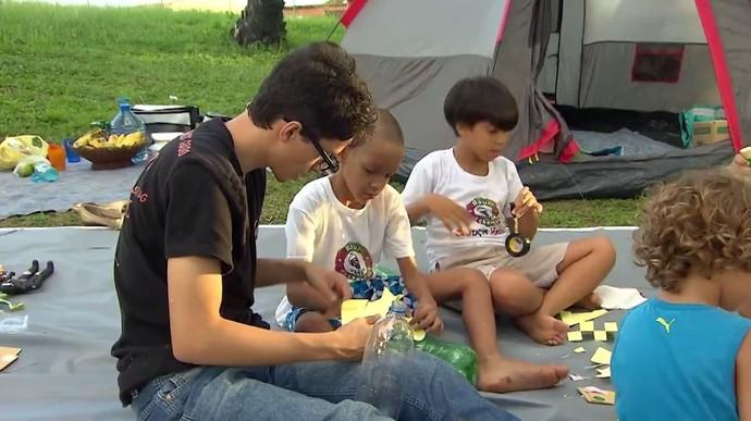 Projeto Crianças Hackers une diversão e tecnologia  (Foto: TV Bahia)