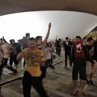 BRASÍLIA: ato chega à rampa do Congresso (Eraldo Peres/AP)