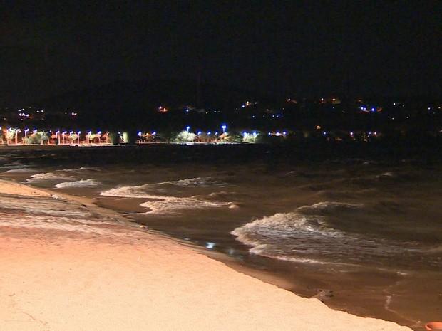 Rajadas, vento, ventania, Guaíba, Porto Alegre, ondas (Foto: Reprodução/RBS TV)