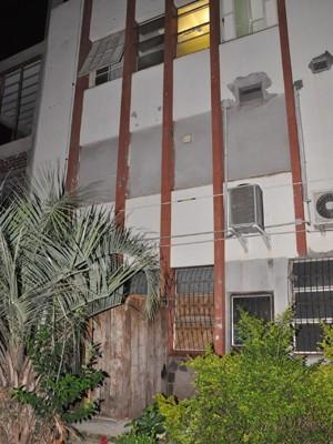 Índio morreu após cair do terceiro andar do Hospital Santo Antônio, em Tenente Portela (Foto: Sandro Medeiros/Portela Online)