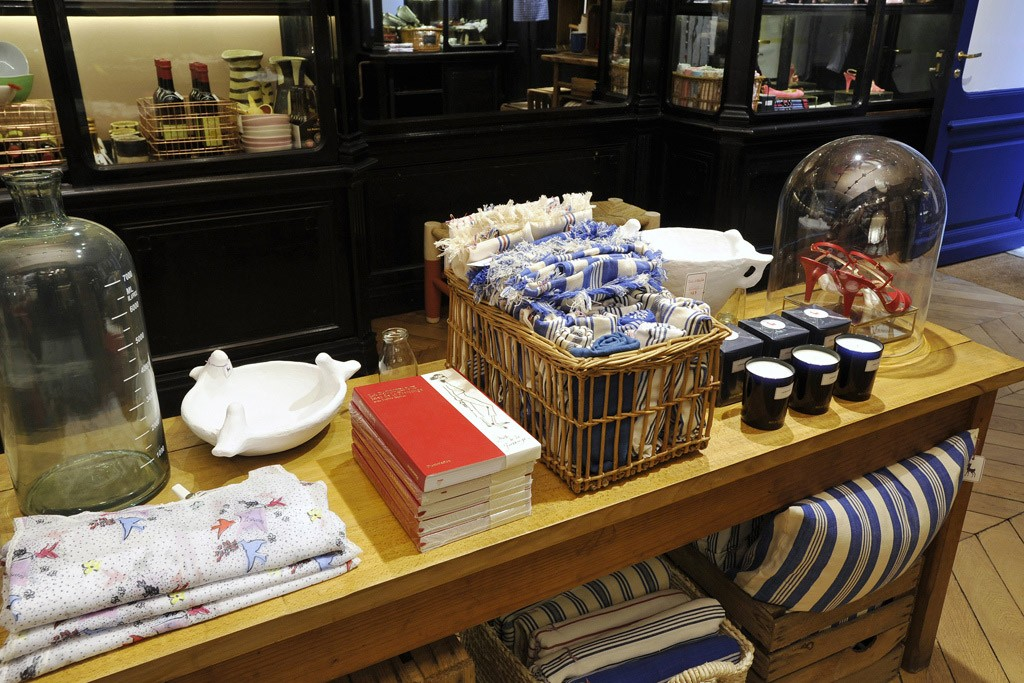 Geral da nova loja de Inès de la Fressange: artigos diversos (Foto: Reprodução/WWD)
