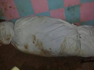 Detento foi achado enrolado em lençol (Foto: Polícia Militar)