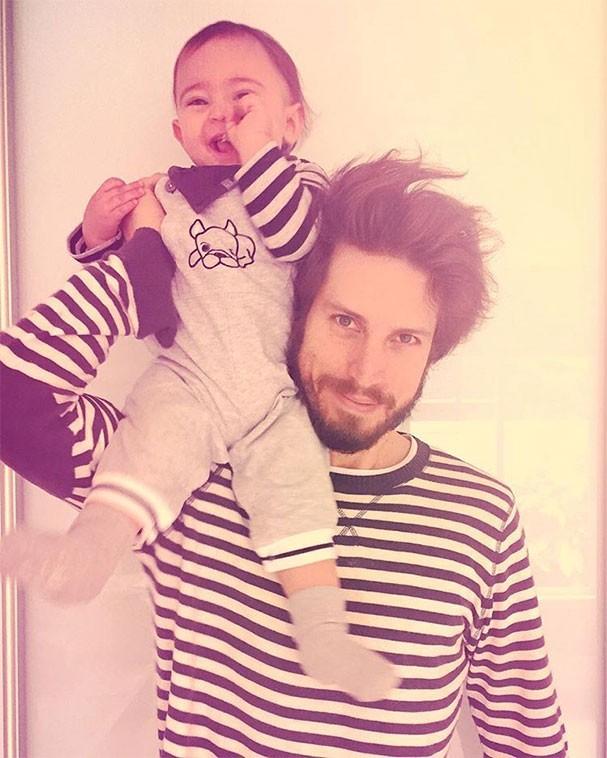 Henrique Sauer com o filho, Martin (Foto: Reprodução/Instagram)