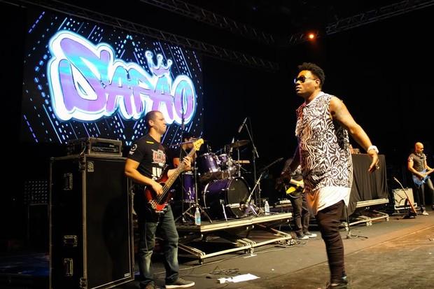 MC Sapão durante show em Florianópolis (Foto: Reni Sousa/Divulgação)