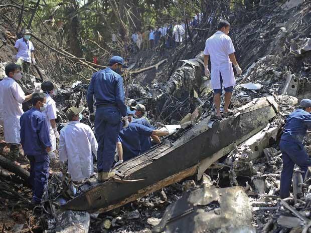 Queda destruiu aeronave. (Foto: Reuters)