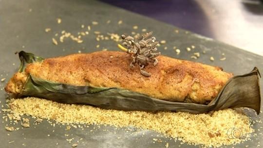 Chef ensina a receita de broa assada na folha de bananeira